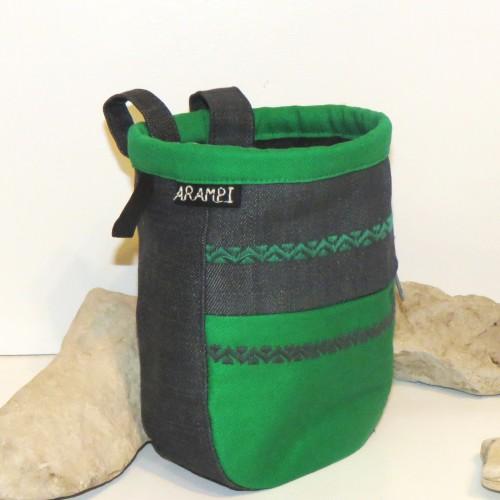 woreczek na magnezję dżinsowy zielony2